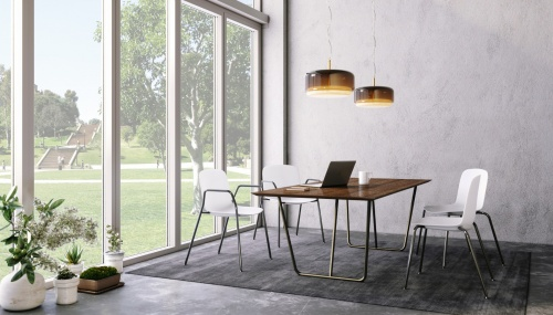 Insetto with Thonet Forth Table